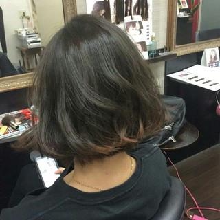 インナーカラー ナチュラル グレーアッシュ ブルージュ ヘアスタイルや髪型の写真・画像