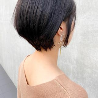 前下がりショート 大人かわいい ナチュラル ショート ヘアスタイルや髪型の写真・画像