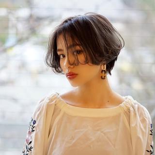 大人可愛い エレガント 春ヘア ショート ヘアスタイルや髪型の写真・画像