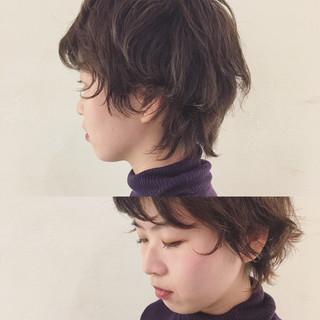 ショート ニュアンス フェミニン 黒髪 ヘアスタイルや髪型の写真・画像
