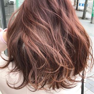 グラデーションカラー ピンク セミロング ピンクアッシュ ヘアスタイルや髪型の写真・画像