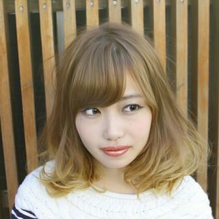 ミディアム グラデーションカラー 渋谷系 ストリート ヘアスタイルや髪型の写真・画像