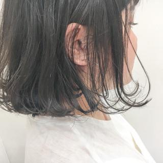 暗髪 外ハネ ナチュラル 透明感 ヘアスタイルや髪型の写真・画像