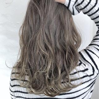 外国人風カラー ロング ゆるふわ ガーリー ヘアスタイルや髪型の写真・画像