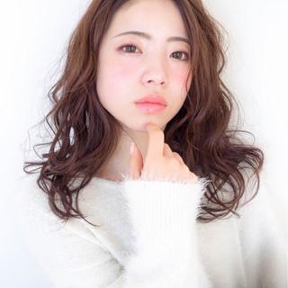 透明感 パーマ ミディアム おフェロ ヘアスタイルや髪型の写真・画像