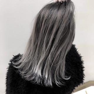 外国人風 ハイライト ミディアム グレージュ ヘアスタイルや髪型の写真・画像