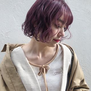 アンニュイほつれヘア ピンク ボブ ストリート ヘアスタイルや髪型の写真・画像
