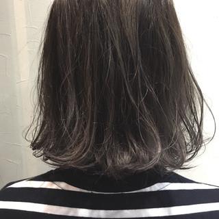 アッシュ ハイライト 外国人風 ナチュラル ヘアスタイルや髪型の写真・画像