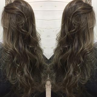 暗髪 ハイライト 外国人風 ナチュラル ヘアスタイルや髪型の写真・画像 ヘアスタイルや髪型の写真・画像