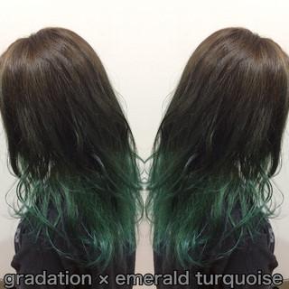 グラデーションカラー ヘアカラー エメラルドグリーンカラー グリーン ヘアスタイルや髪型の写真・画像