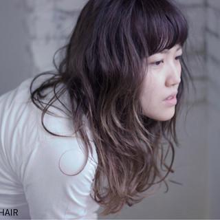 レトロ ロング グラデーションカラー ウェーブ ヘアスタイルや髪型の写真・画像