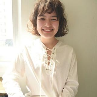 外国人風 ミルクティー フリンジバング パーマ ヘアスタイルや髪型の写真・画像