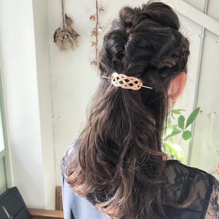 セミロング ハーフアップ ナチュラル デート ヘアスタイルや髪型の写真・画像