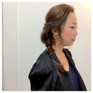 ゆるふわ 結婚式 編み込み ミディアム ヘアスタイルや髪型の写真・画像