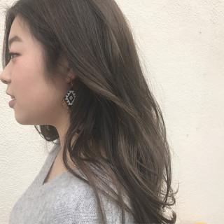 外国人風 グレージュ 透明感 アッシュ ヘアスタイルや髪型の写真・画像