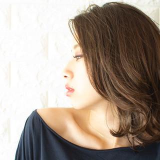 大人ミディアム ミディアムヘアー フェミニン ミディアム ヘアスタイルや髪型の写真・画像