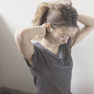 簡単ヘアアレンジ セミロング ナチュラル ブラウン ヘアスタイルや髪型の写真・画像