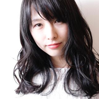 女子会 黒髪 アッシュ フェミニン ヘアスタイルや髪型の写真・画像