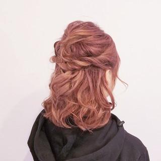 フェミニン ヘアアレンジ ミディアム デート ヘアスタイルや髪型の写真・画像