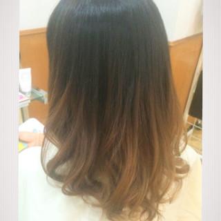 外国人風 グラデーションカラー ミルクティーベージュ ハイトーン ヘアスタイルや髪型の写真・画像