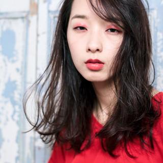 セミロング パーマ モード 外国人風 ヘアスタイルや髪型の写真・画像