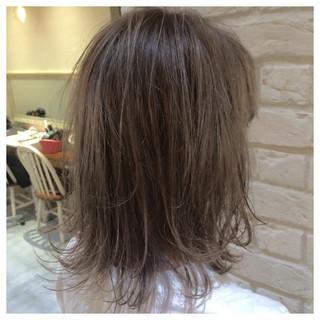 外国人風 外ハネ ボブ アッシュグレージュ ヘアスタイルや髪型の写真・画像
