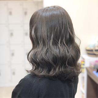 ミディアム ナチュラル 外国人 外国人風カラー ヘアスタイルや髪型の写真・画像 ヘアスタイルや髪型の写真・画像