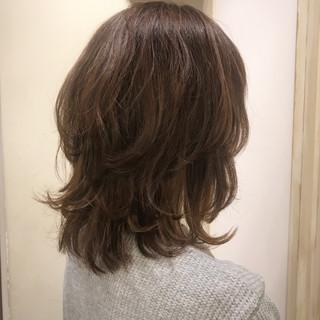 くせ毛風 アッシュ グラデーションカラー レイヤーカット ヘアスタイルや髪型の写真・画像 ヘアスタイルや髪型の写真・画像