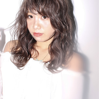 渋谷系 ミディアム ストリート くせ毛風 ヘアスタイルや髪型の写真・画像