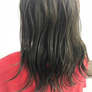 ナチュラル カーキアッシュ セミロング ハイライト ヘアスタイルや髪型の写真・画像