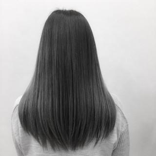 シルバーアッシュ ロング グラデーションカラー ストレート ヘアスタイルや髪型の写真・画像 ヘアスタイルや髪型の写真・画像