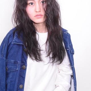 外国人風 ロング モード アンニュイ ヘアスタイルや髪型の写真・画像