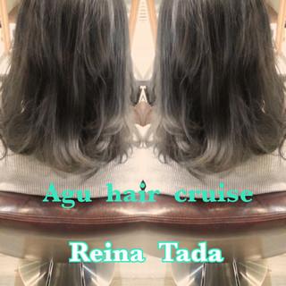 ミディアム ガーリー 外国人風 グレー ヘアスタイルや髪型の写真・画像