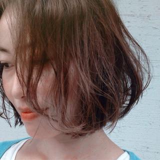 ボブ パーマ 色気 フェミニン ヘアスタイルや髪型の写真・画像