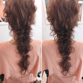 編み込み ミルクティー 上品 ヘアアレンジ ヘアスタイルや髪型の写真・画像