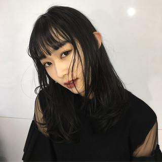 セミロング ロングヘア ナチュラル 透明感カラー ヘアスタイルや髪型の写真・画像