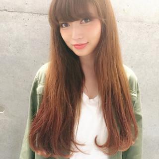 外国人風 ストレート ロング ナチュラル ヘアスタイルや髪型の写真・画像