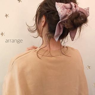 ヘアアレンジ セミロング ナチュラル デート ヘアスタイルや髪型の写真・画像 ヘアスタイルや髪型の写真・画像