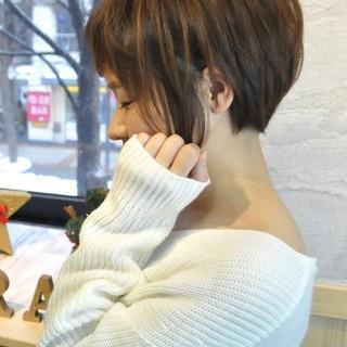 ミルクティー フェミニン ナチュラル ショート ヘアスタイルや髪型の写真・画像