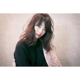セミロング フェミニン ハイライト 大人かわいい ヘアスタイルや髪型の写真・画像