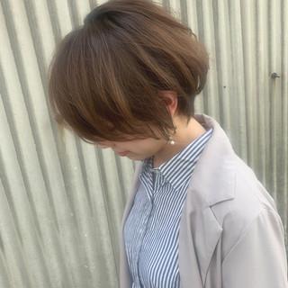 ゆるウェーブ オフィス エフォートレスウェーブ 簡単ヘアアレンジ ヘアスタイルや髪型の写真・画像