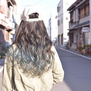 ロング ストリート グラデーションカラー ブルー ヘアスタイルや髪型の写真・画像 ヘアスタイルや髪型の写真・画像