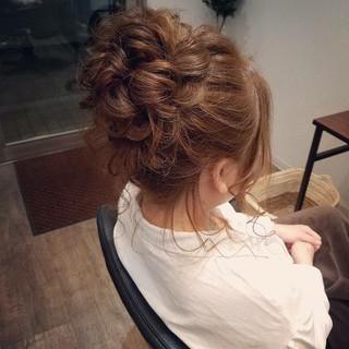 ヘアアレンジ アップスタイル お団子 ミディアム ヘアスタイルや髪型の写真・画像 ヘアスタイルや髪型の写真・画像