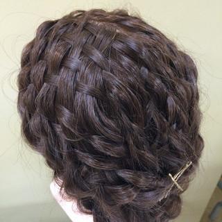 編み込み ロング ヘアアクセ ゆるふわ ヘアスタイルや髪型の写真・画像