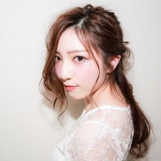 大人かわいい 外国人風 ハーフアップ ナチュラル ヘアスタイルや髪型の写真・画像 ヘアスタイルや髪型の写真・画像