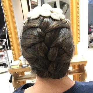 ミディアム 成人式 エレガント ヘアアレンジ ヘアスタイルや髪型の写真・画像