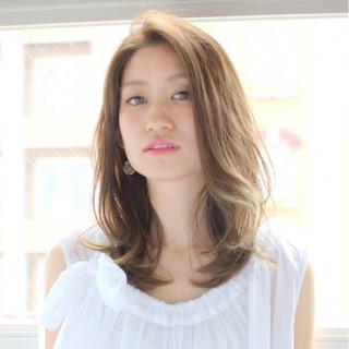 ナチュラル 斜め前髪 パーマ デート ヘアスタイルや髪型の写真・画像 ヘアスタイルや髪型の写真・画像