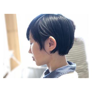 ショート ナチュラル 耳かけ 小顔 ヘアスタイルや髪型の写真・画像