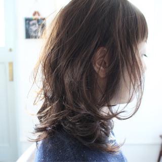 大人女子 小顔 セミロング フェミニン ヘアスタイルや髪型の写真・画像