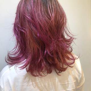 レイヤーカット セミロング ピンク ミディアム ヘアスタイルや髪型の写真・画像